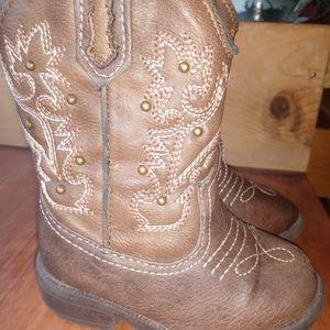 Cherokee boot size 5...little kid